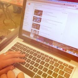 student choosing song