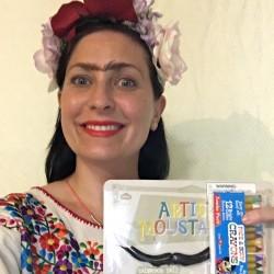 Lee as Frida