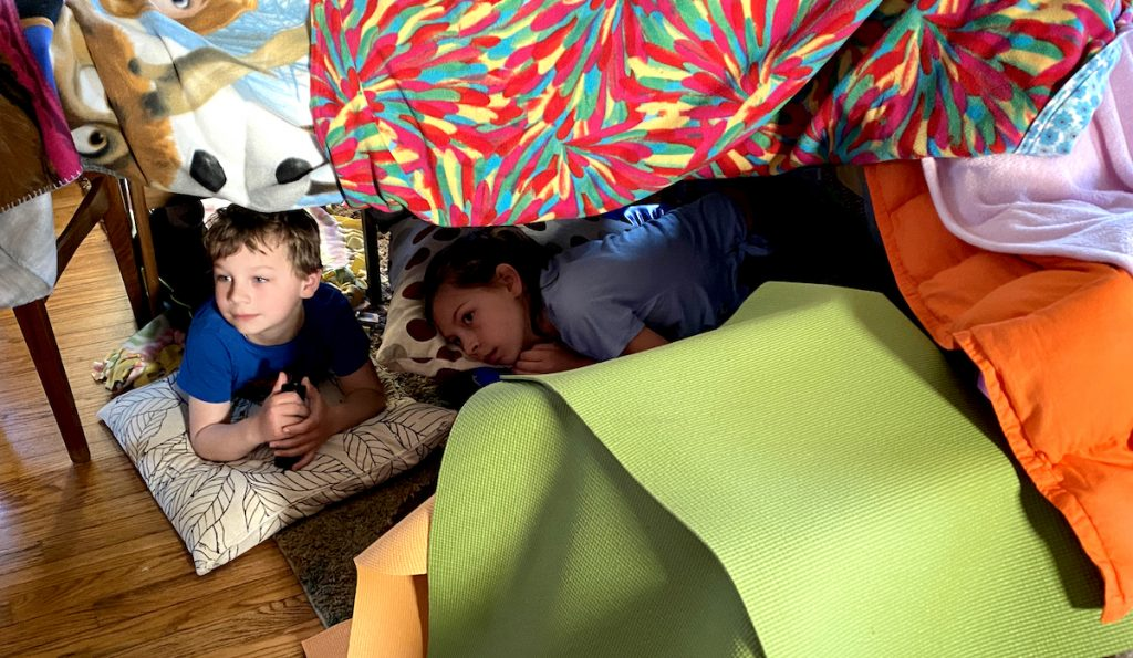 kids building a fort