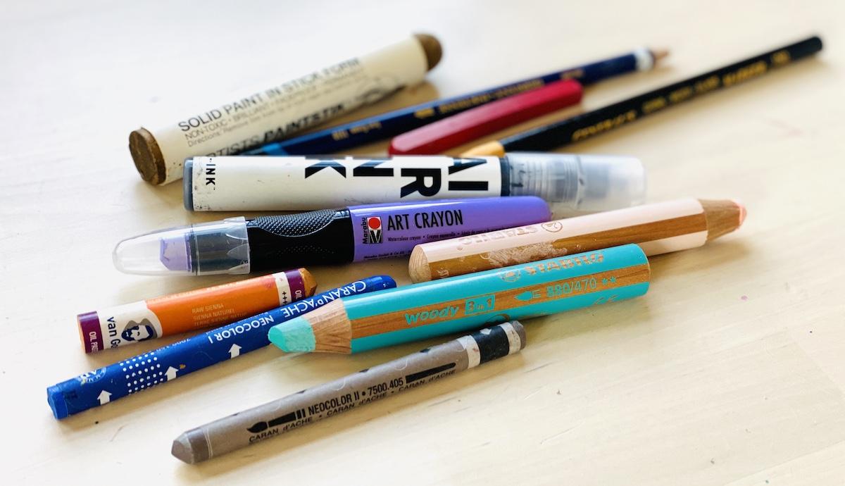 many drawing materials